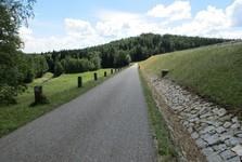 hráz přehrady Pilská