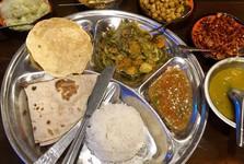 dál bhat – tradiční nepálský pokrm