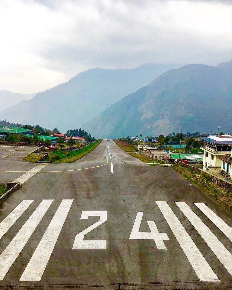 jedno z nejnebezpečnějších letišť světa leží v nadmořské výšce 2 860 metrů