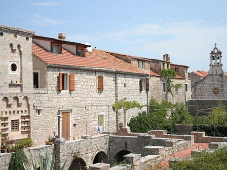 Stari Grad, Tvrdalj