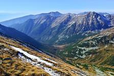 výhľad z Bystrej do Račkovej doliny a hrebeň Otrhancov