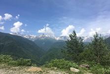 прекрасный пейзаж возле Местии
