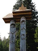 Sini and Viro statues