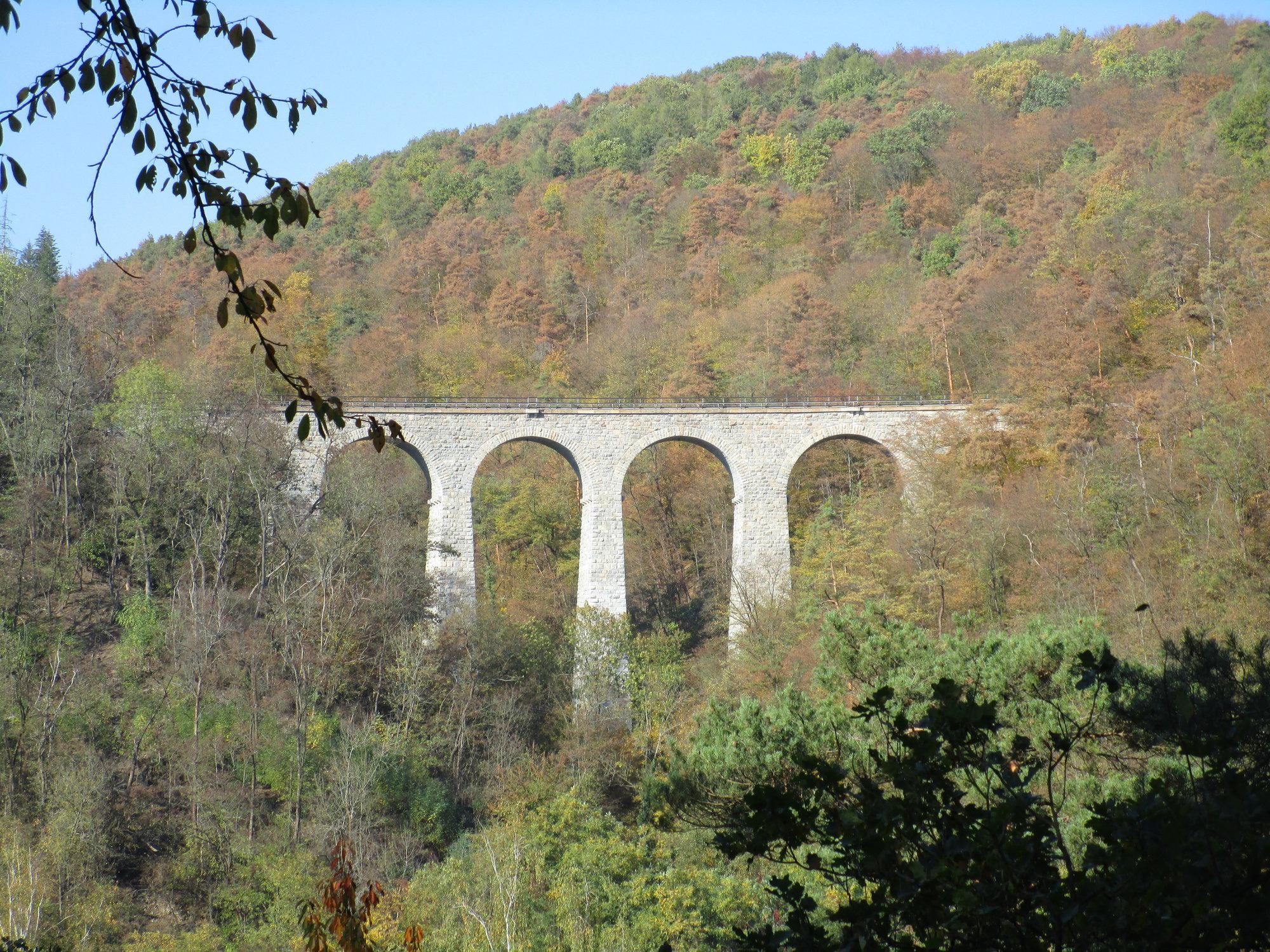 žampašský železničný viadukt