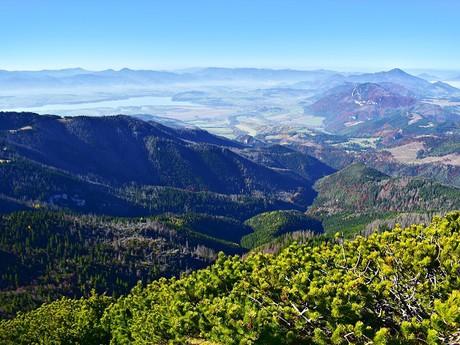 výhľad z vrchu Ostrá na Liptov
