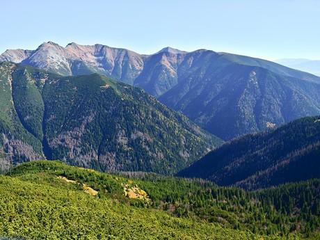 pohľad z vrchu Ostrá na hrebene Západných Tatier