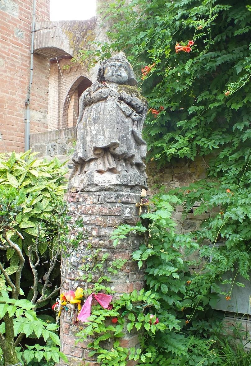 statue of Alois, Grazzano Visconti