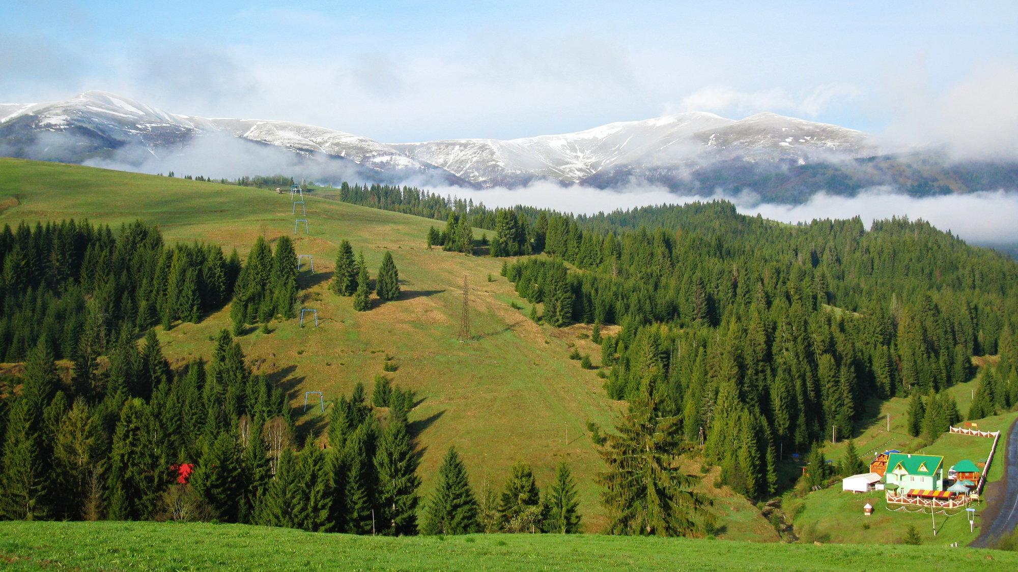 pohled na Boržavu z kopce u penzionu U Leva