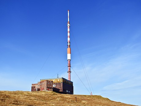vysílač na vrcholu