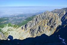 долина  Gąsienicowa, на заднем плане находится Польша