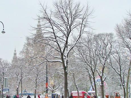Rathausplatz, Вена