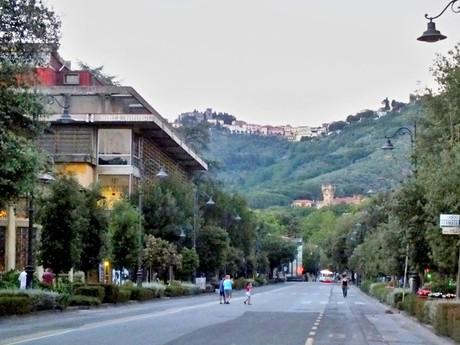 Монтекантини Терме; на холме Montecatini Alta