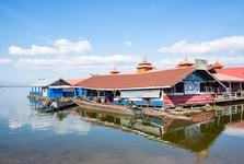 плавучие дома на Doi Tao