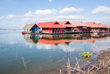 plávajúce domy na Doi Tao