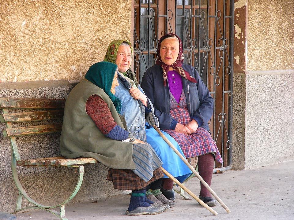 bulharské ženy na vesnicích se od těch českých moc neliší, zdroj Pixabay