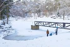 vynovený areál rekreačného jazierka