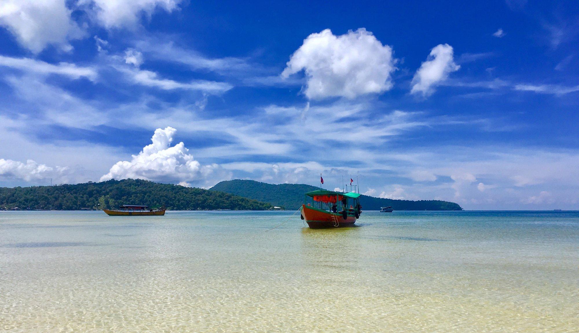 výletná loď z ostrova Koh Rong