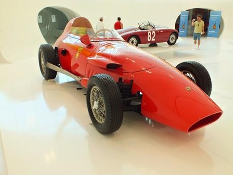 museo Enzo Ferrari (Modena)