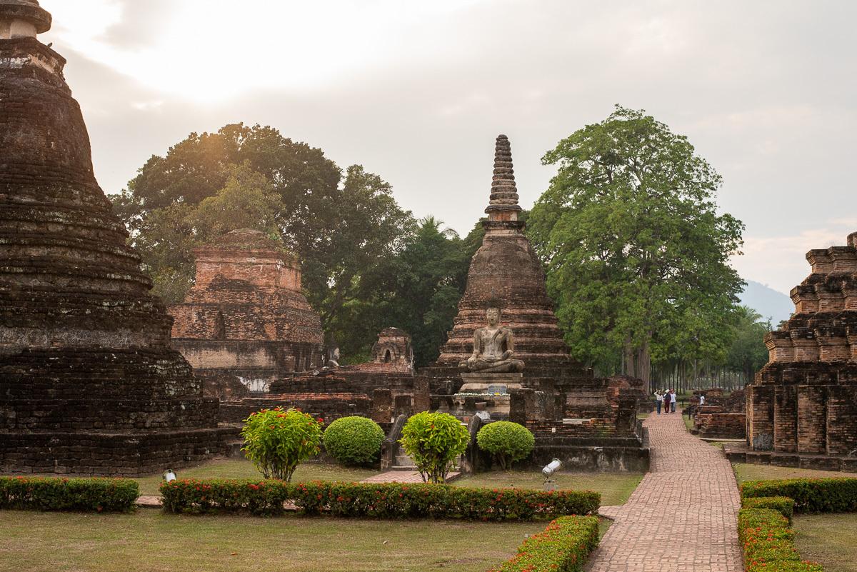 celkový počet budhistických stúp asi nezistíte