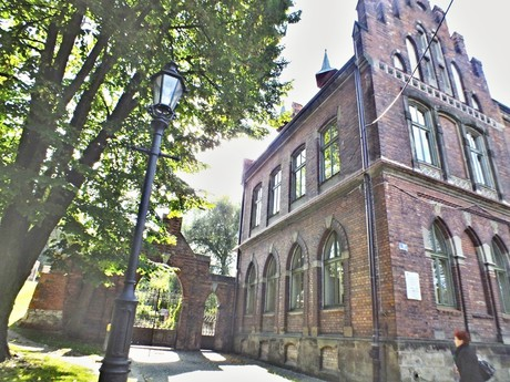 Sztygarówki - Szkoła Górnicza a Múzeum Salinarne (Wieliczka)