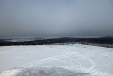 výhľad z vrchu vojenskej pozorovateľne na Houpáku