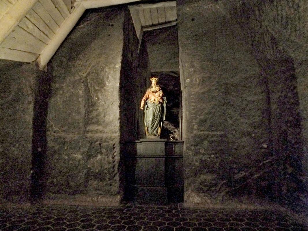 Panna Marie Vítězná, kaplička sv. Kříže (Wieliczka)