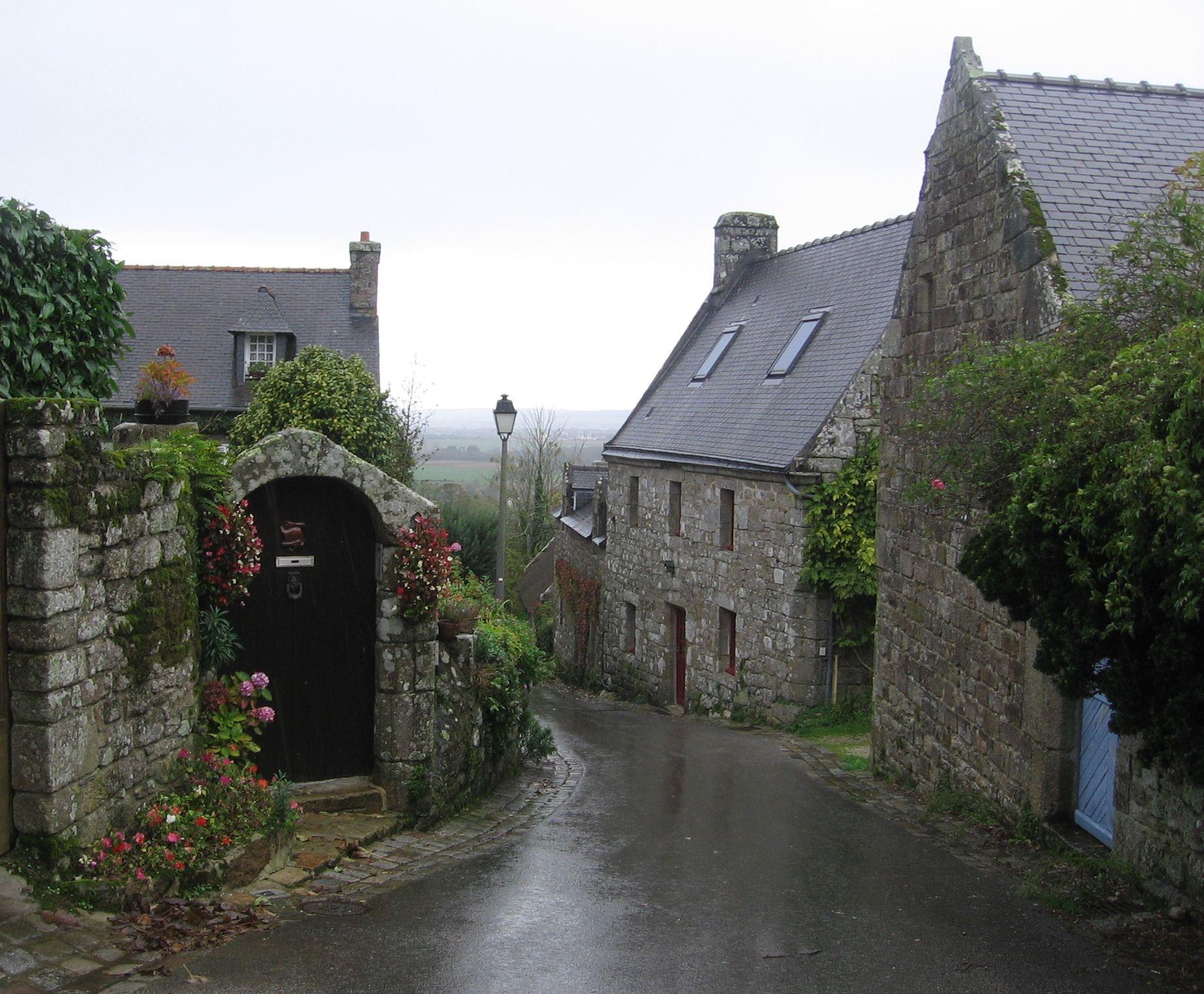 Locronan s typickou bretonskou architekturou
