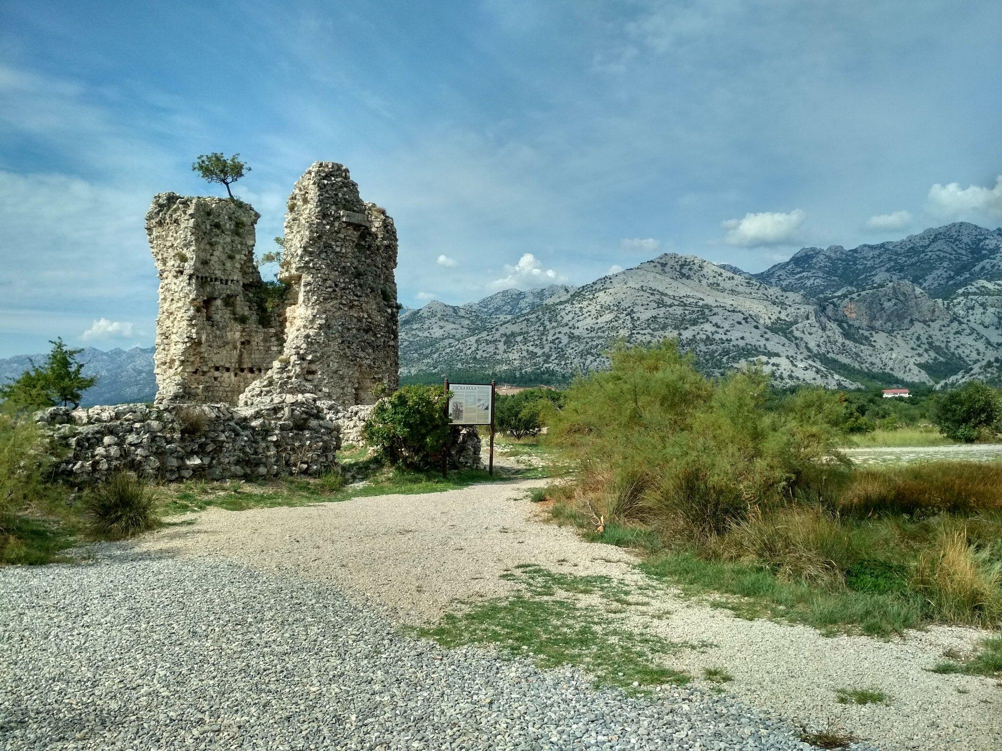 5d14c22328296 spomienka na natáčanie Vinnetoua Starigrad je skvelým východiskovým bodom  pre výlety