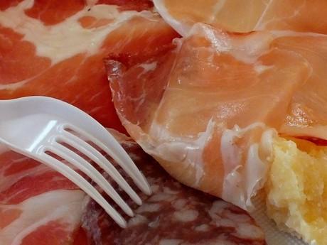 ochutnávka šunky (Casale del Groppone)