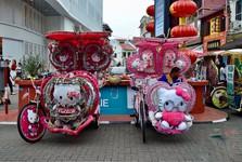 красочные трициклы