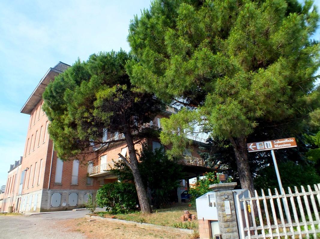 závod na zpracování šunky - Salumifico Massimo (Langhirano)