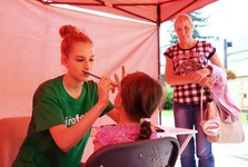 face painting (Infofest)