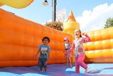 inflatable castle for kids (Infofest)