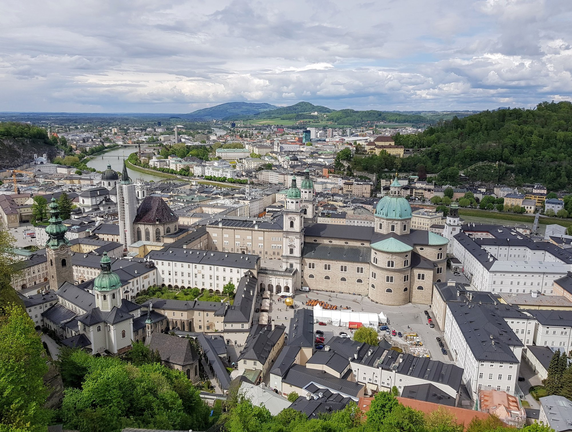 Salzburský dóm z pevnosti