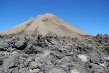 sopka Pico del Teide, najvyšší vrchol Španielska (3 718 m n. m.)