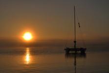 západ slunce u jezera