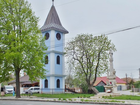 belfry and the sculpture of St John of Nepomuk, Bohatá (Hurbanovo)