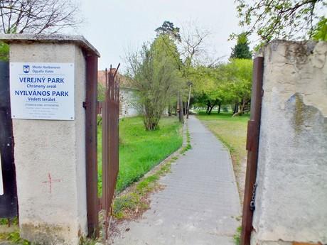 verejný park v Bohatej (Hurbanovo)