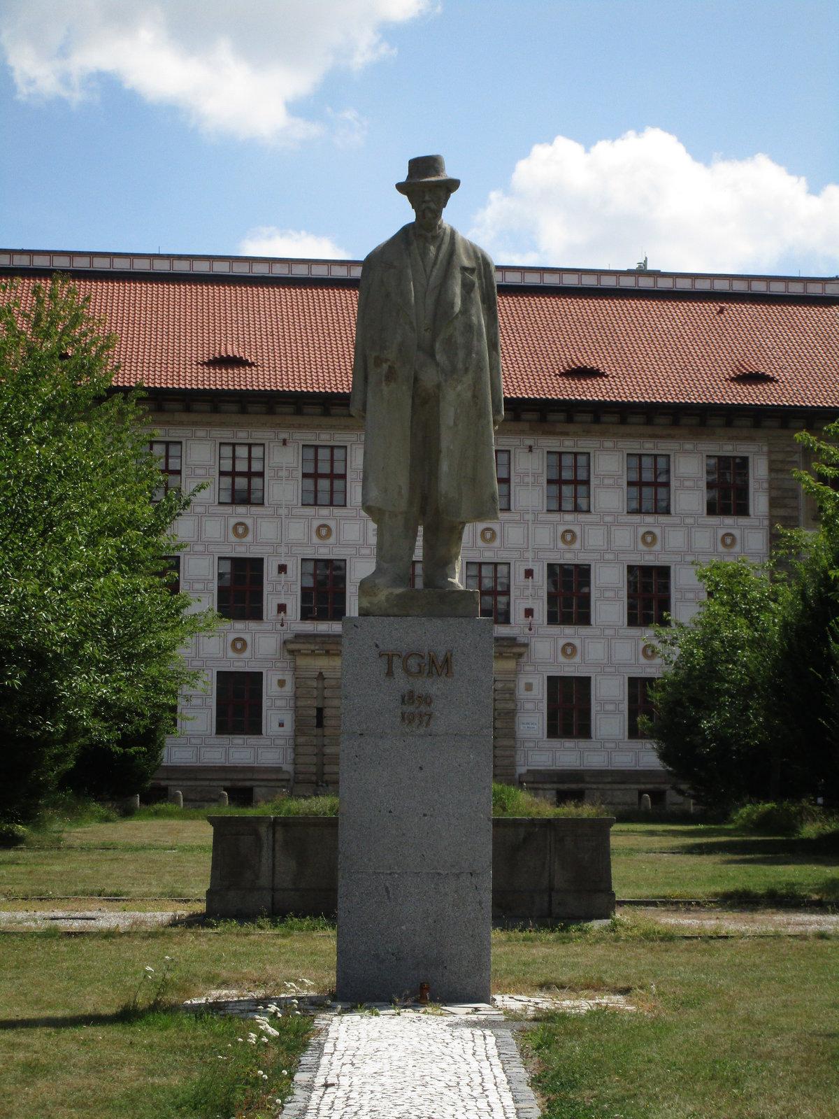TGM statue