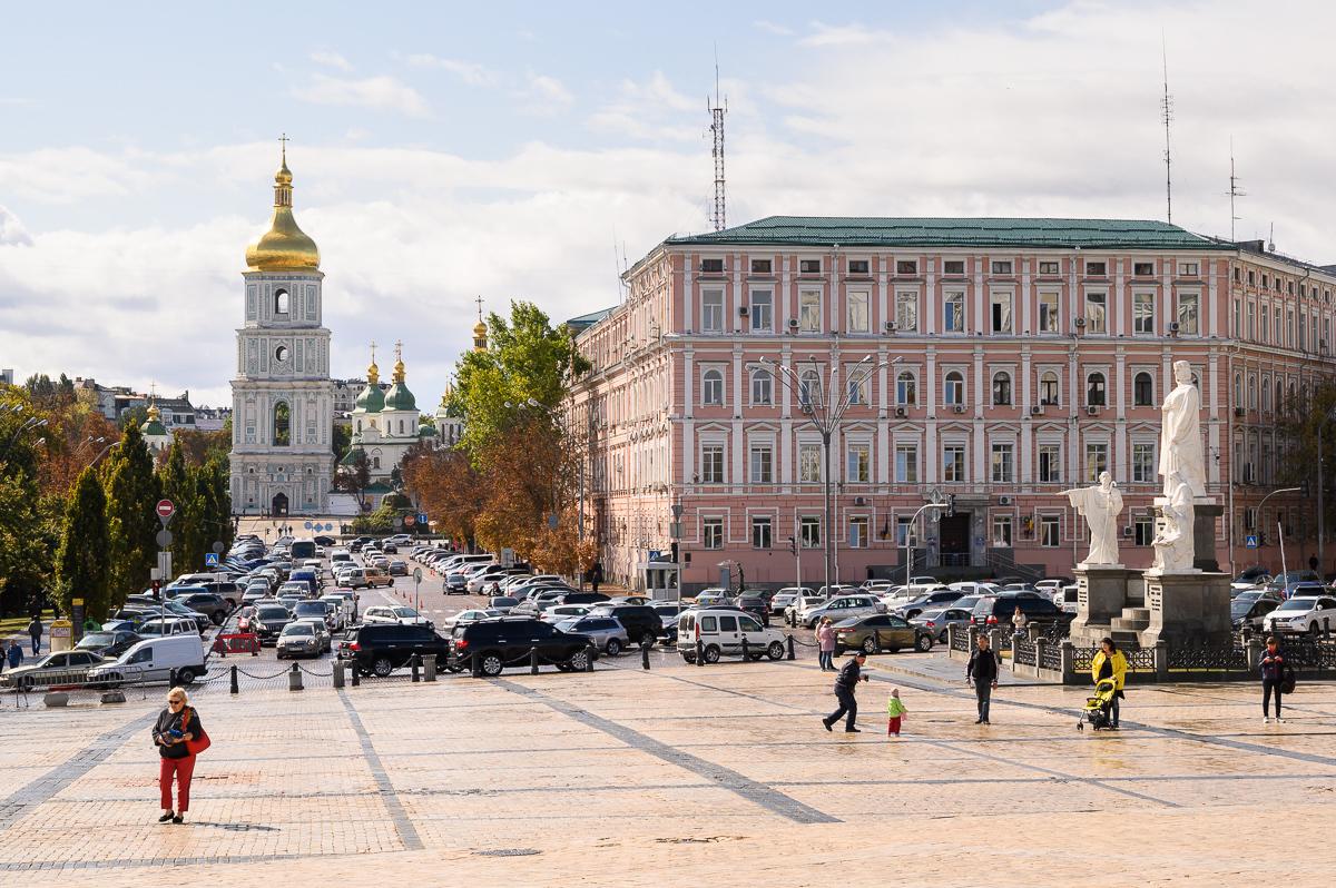 Софийский собор и памятник княгине Ольге