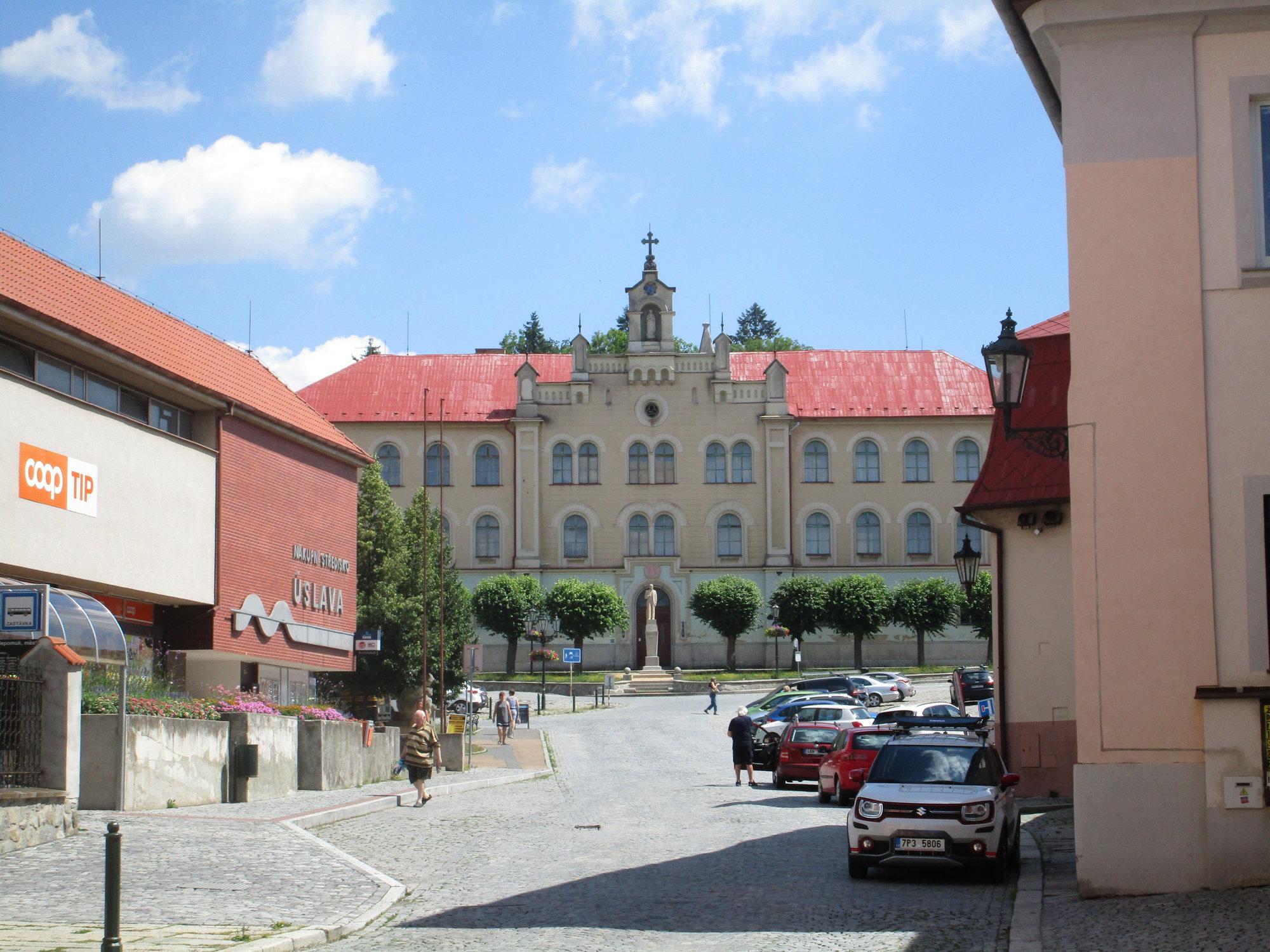 piaristický internát na námestí Augustina Němejca