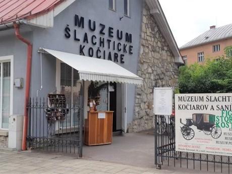 Oravský Podzámok - Múzeum šľachtických kočiarov asaní