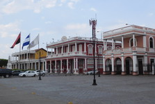 colonial architecture (Town Square)