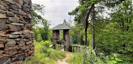 Ladův kraj - hrad Zlenice