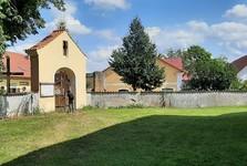 Hrusice - areál kostola