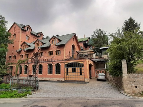 Velké Popovice – umělecký kovářský ateliér
