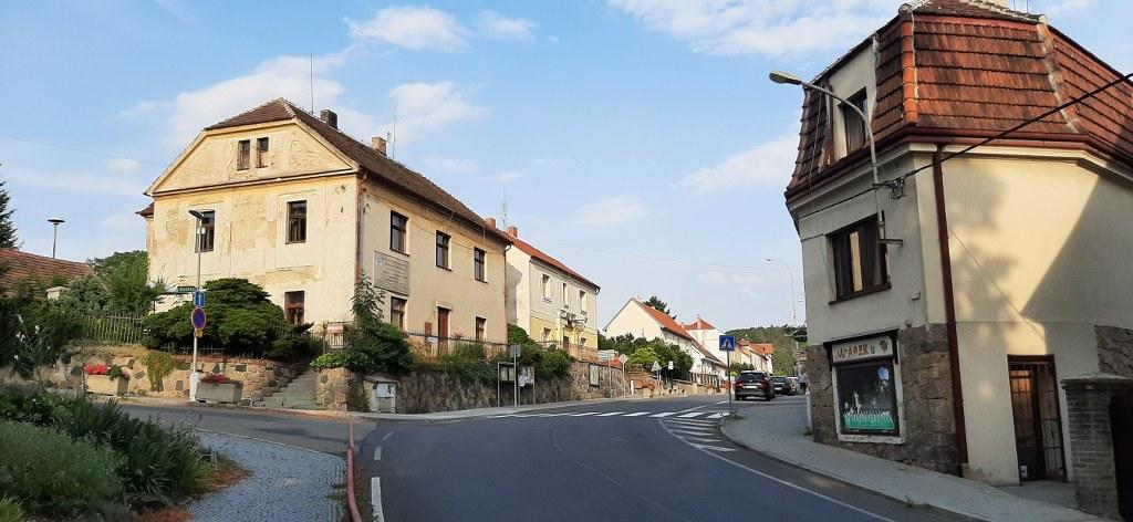 Velké Popovice – Masarykova ulice