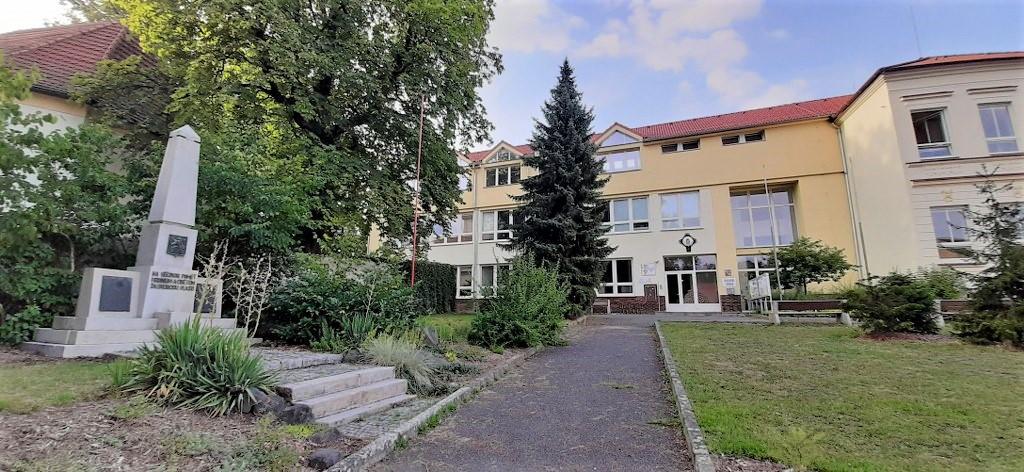 ROK 1999 - Oficiln strnky obce Popovice - Obec Popovice