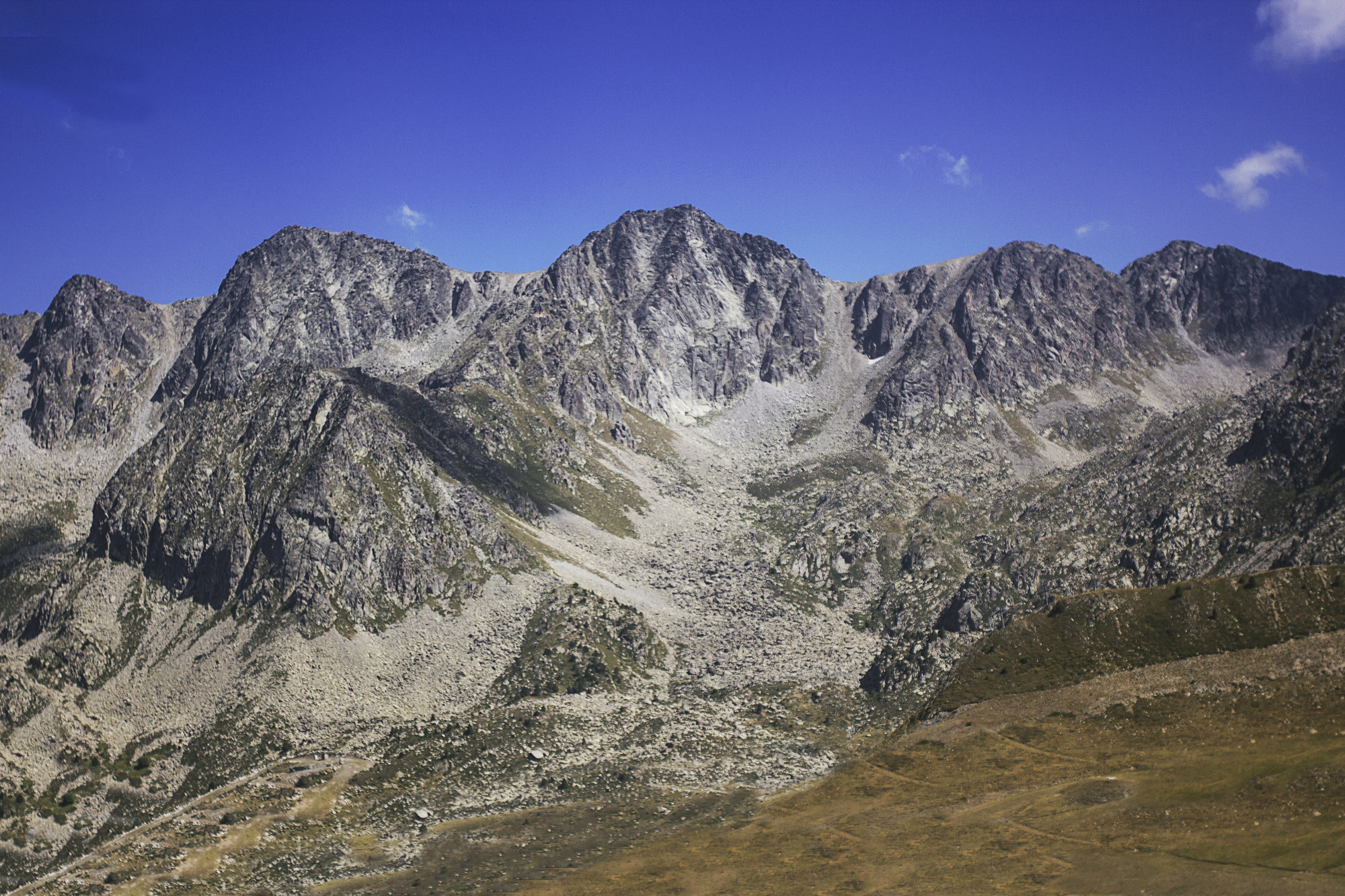 skalnaté hřebeny hor