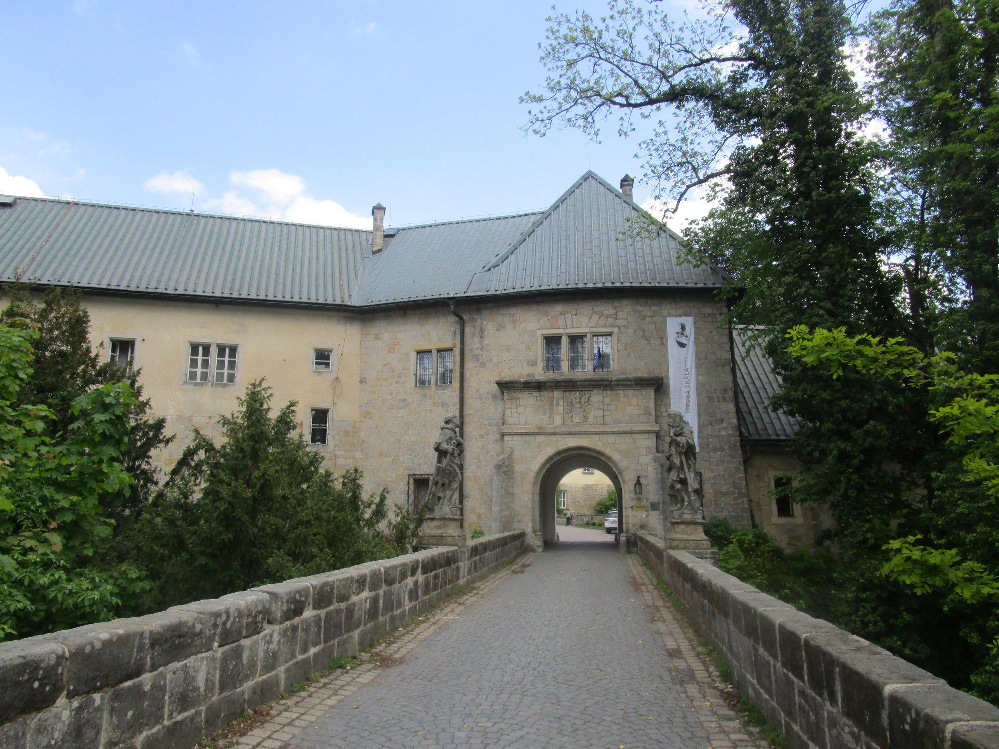 zámek Hrubá Skála (nyní hotel)